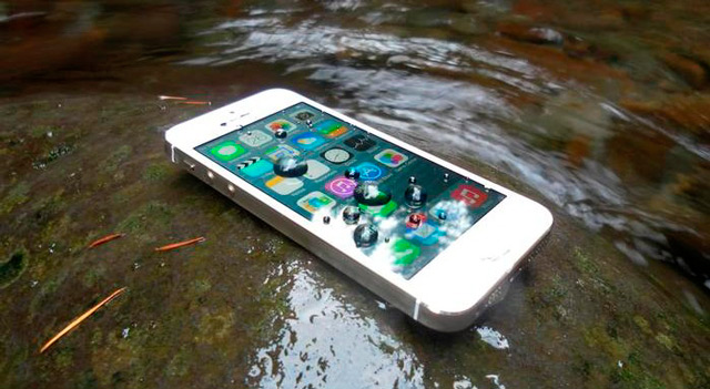 айфон упал в воду и пропал звук